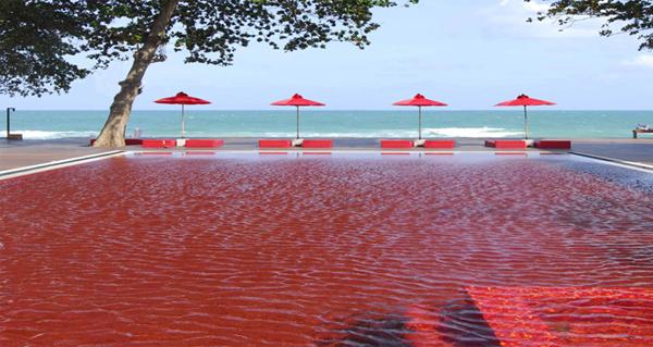 piscine rouge thailande